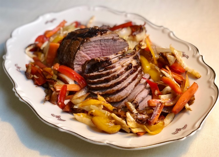 Påskalamm lammstek med grönsaker och örtagårdssås