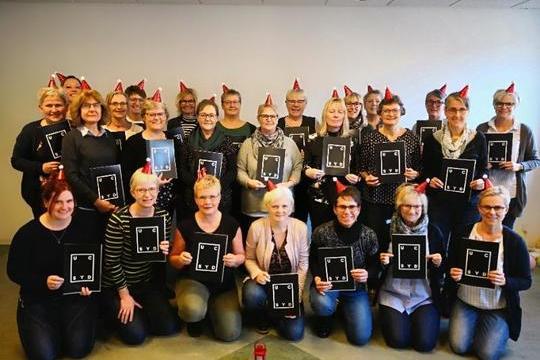 Tina Hestbæk Olesen blev fastansat hos Fiberline efter et målrettet uddannelsesforløb. Foto: Middelfart Kommune