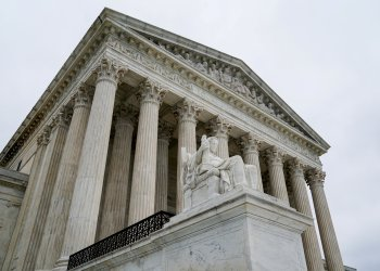 FILE PHOTO: The U.S. Supreme Court is seen after the court revived Ohio's contentious policy of purging infrequent voters from its registration rolls, overturning a lower court ruling that Ohio's policy violated the National Voter Registration Act, in Washington, U.S., June 11, 2018. REUTERS/Erin Schaff/File Photo
