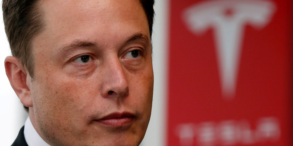 FILE PHOTO:  Tesla Motors Inc Chief Executive Elon Musk pauses during a news conference in Tokyo September 8, 2014.    REUTERS/Toru Hanai