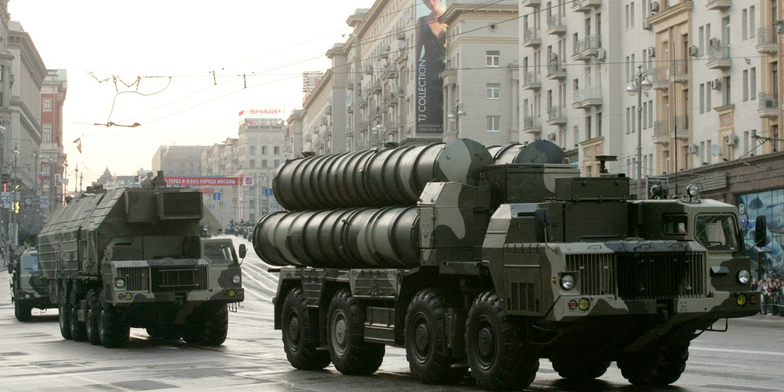 FILE PHOTO: Russian S-300 anti-missile rocket system move along a central street during a rehearsal for a military parade in Moscow May 4, 2009. REUTERS/Alexander Natruskin