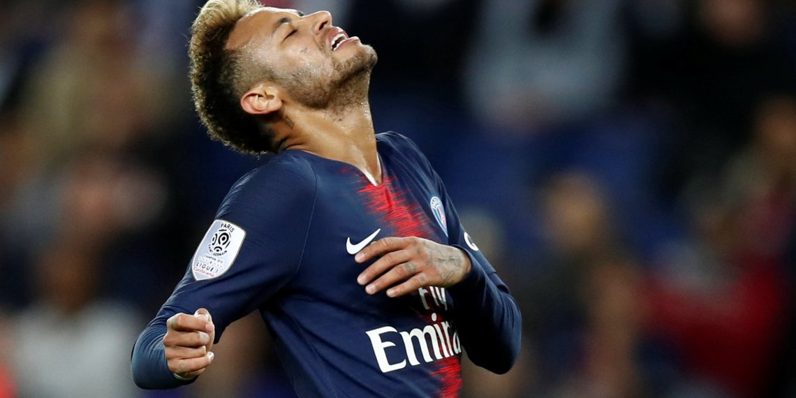 Soccer Football - Ligue 1 - Paris St Germain v Stade de Reims - Parc des Princes, Paris, France - September 26, 2018  Paris St Germain's Neymar reacts  REUTERS/Christian Hartmann