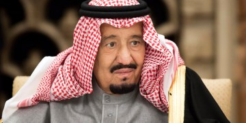 FILE PHOTO: Saudi Arabia's King Salman bin Abdulaziz Al Saud, attends a banquet hosted by Shinzo Abe, Japan's Prime Minister, at the prime minister's official residence in Tokyo, Japan, Monday, March 13, 2017. To match Insight SAUDI-POLITICS/KING REUTERS/Tomohiro Ohsumi/Pool
