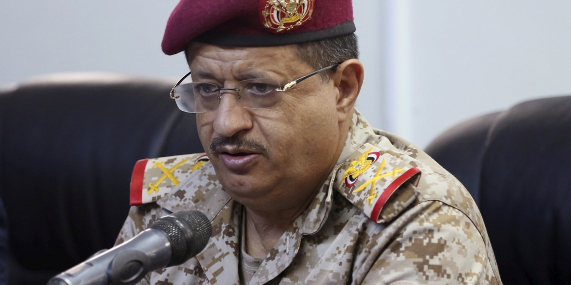 FILE PHOTO: Major General Muhammad Ali al-Maqdashi, chief of staff of the Yemeni Army, addresses a news conference in the country's central province of Marib, Yemen January 13, 2016. REUTERS/Ali Owidha