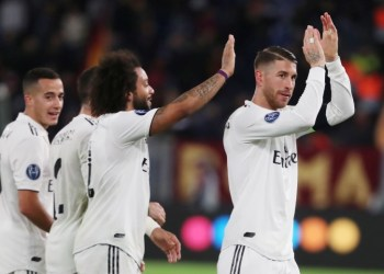 Soccer Football - Champions League - Group Stage - Group G - AS Roma v Real Madrid - Stadio Olimpico, Rome, Italy - November 27, 2018 Real Madrid's Sergio Ramos and teammates applaud the fans after the match REUTERS/Tony Gentile