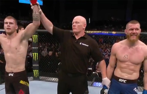 UFC Auckland Results: Jake Matthews uses takedowns to defeat Emil Meek - MiddleEasy.com