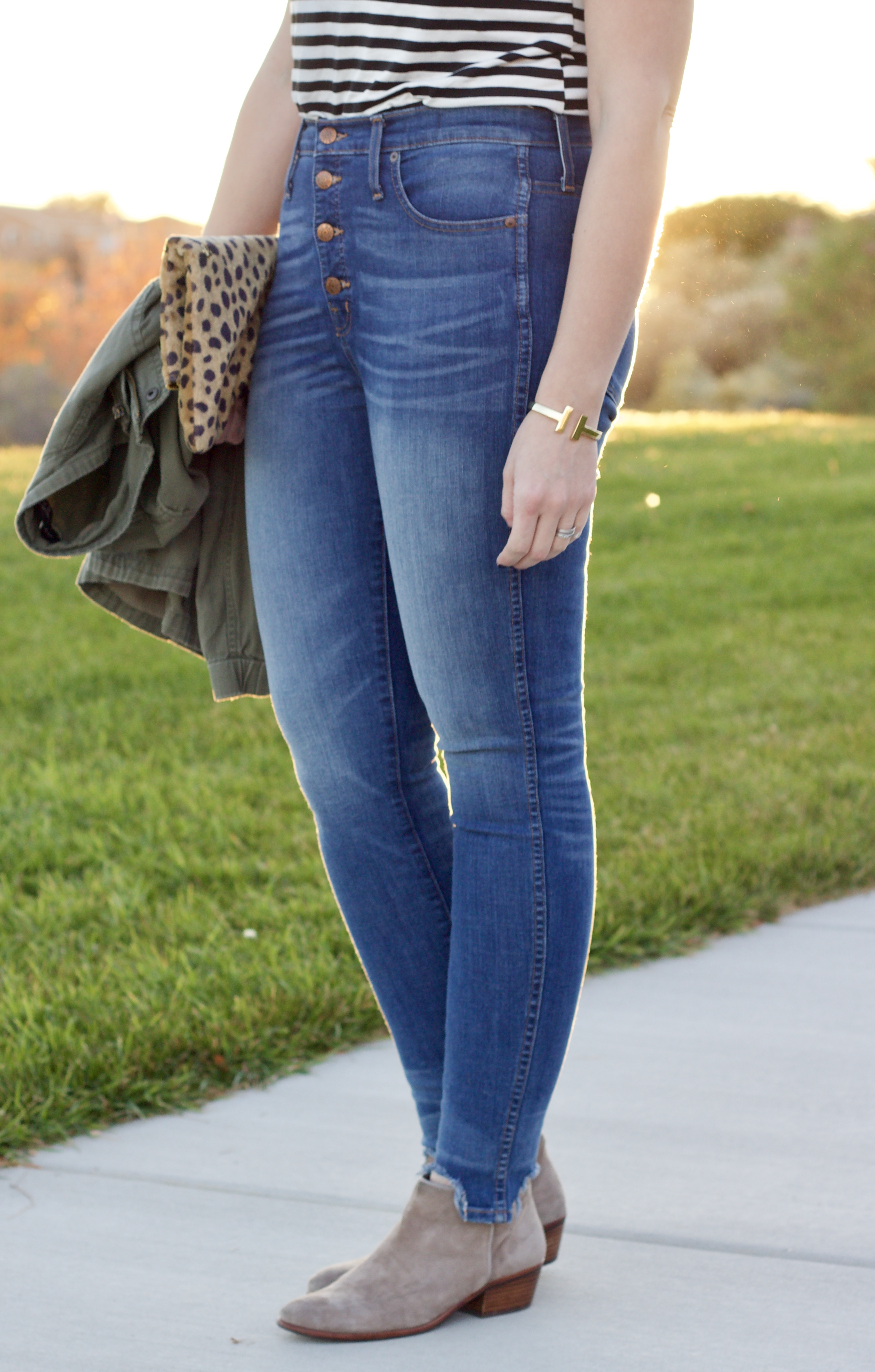 high waisted jeans curvy women