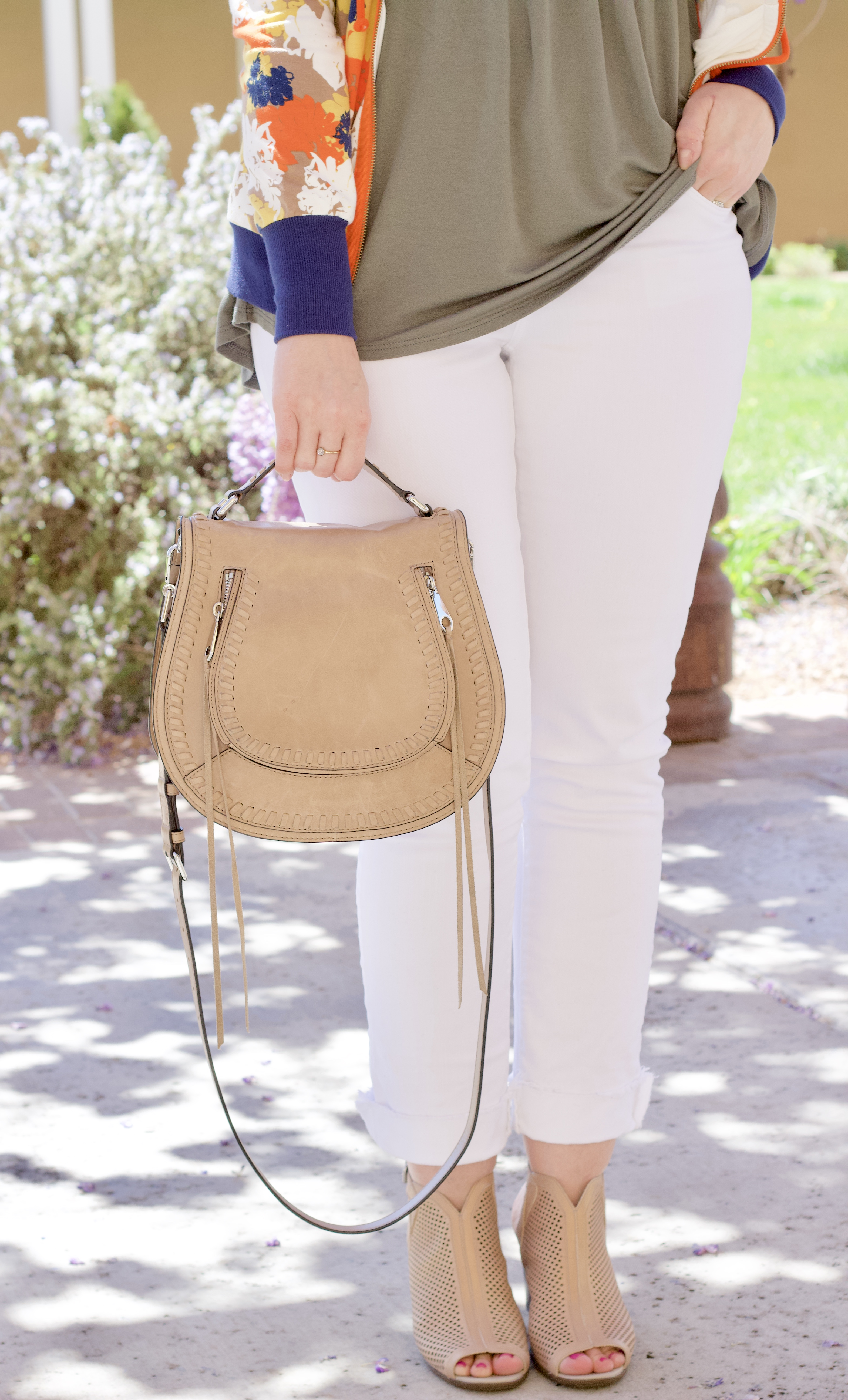 white jeans, rebecca minkoff vanity saddle bag #myRM #whitejeans #springfashion