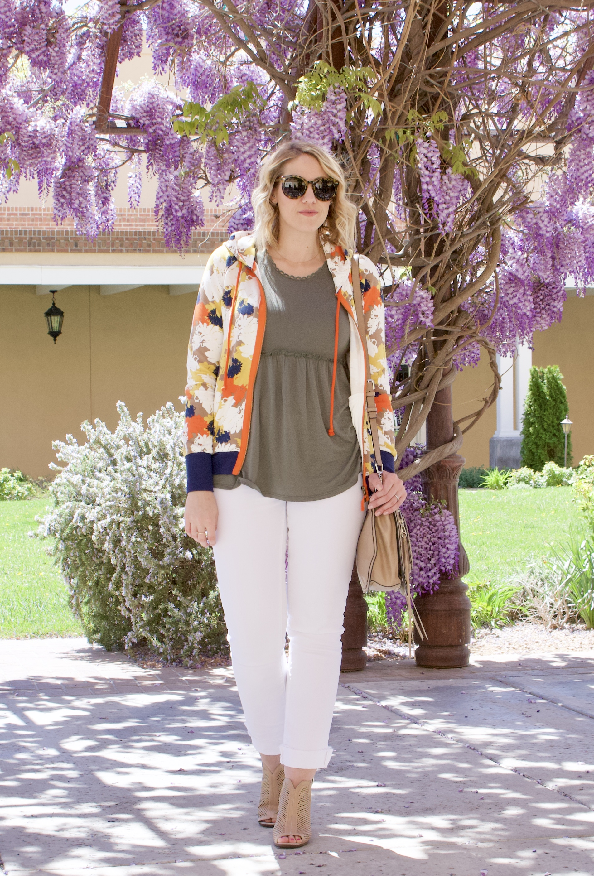 how to wear white jeans for spring #whitejeans #curvyfashion #loveloft