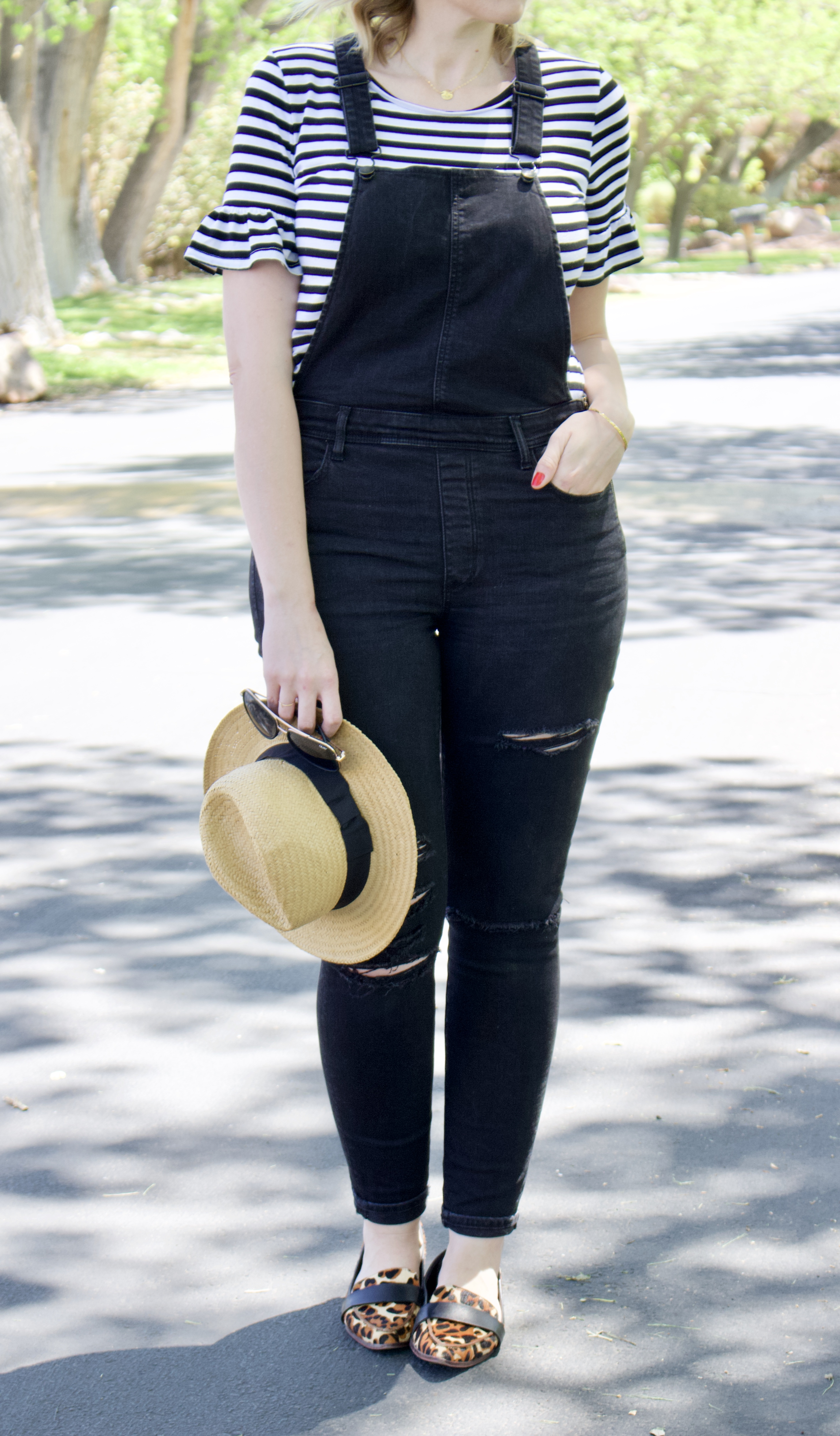 best overalls for tall girls #tallfashion #curvyfashion #overallsoutfit