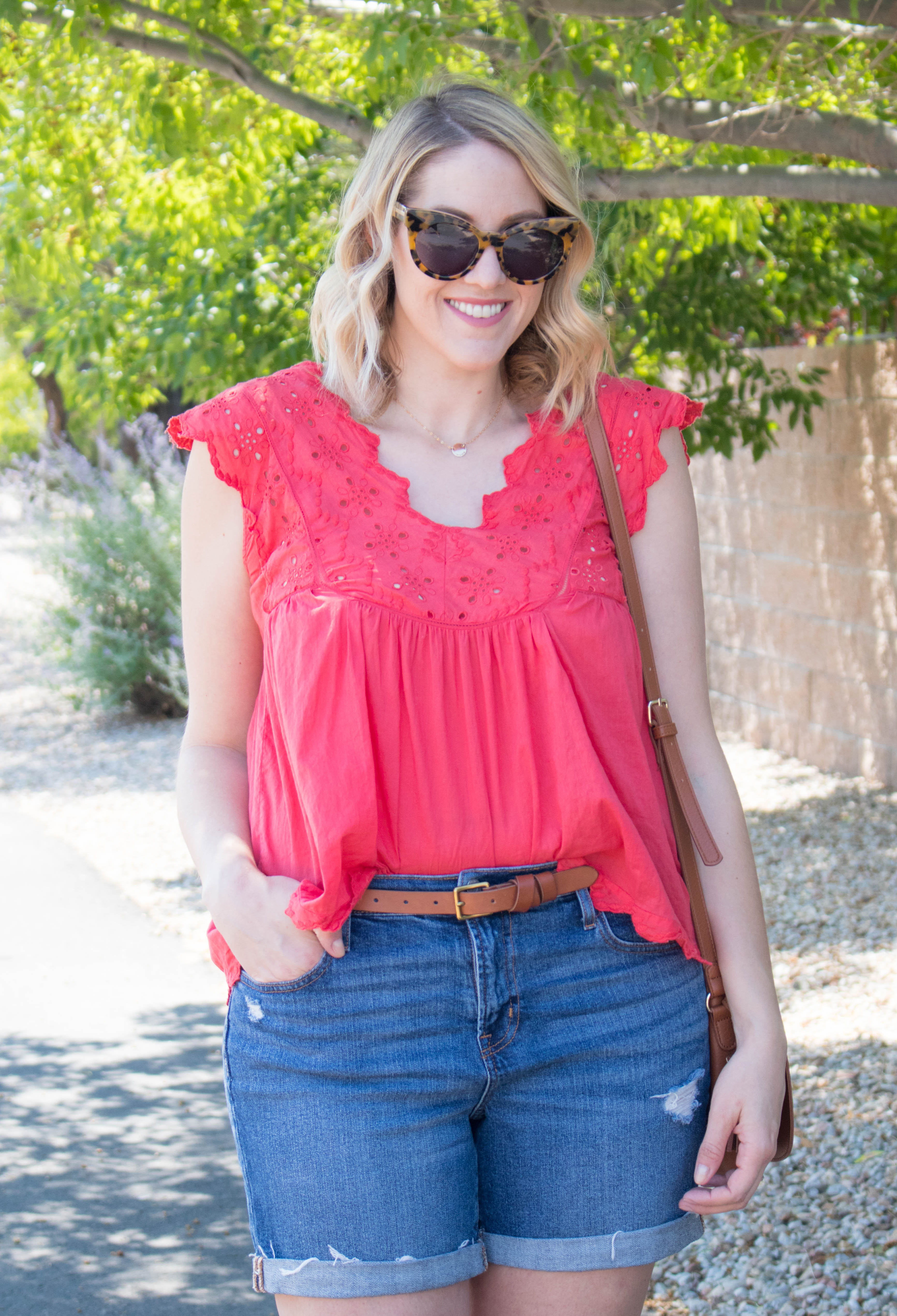 cute summer outfit ideas with shorts #shorts #summerstyle #momshorts