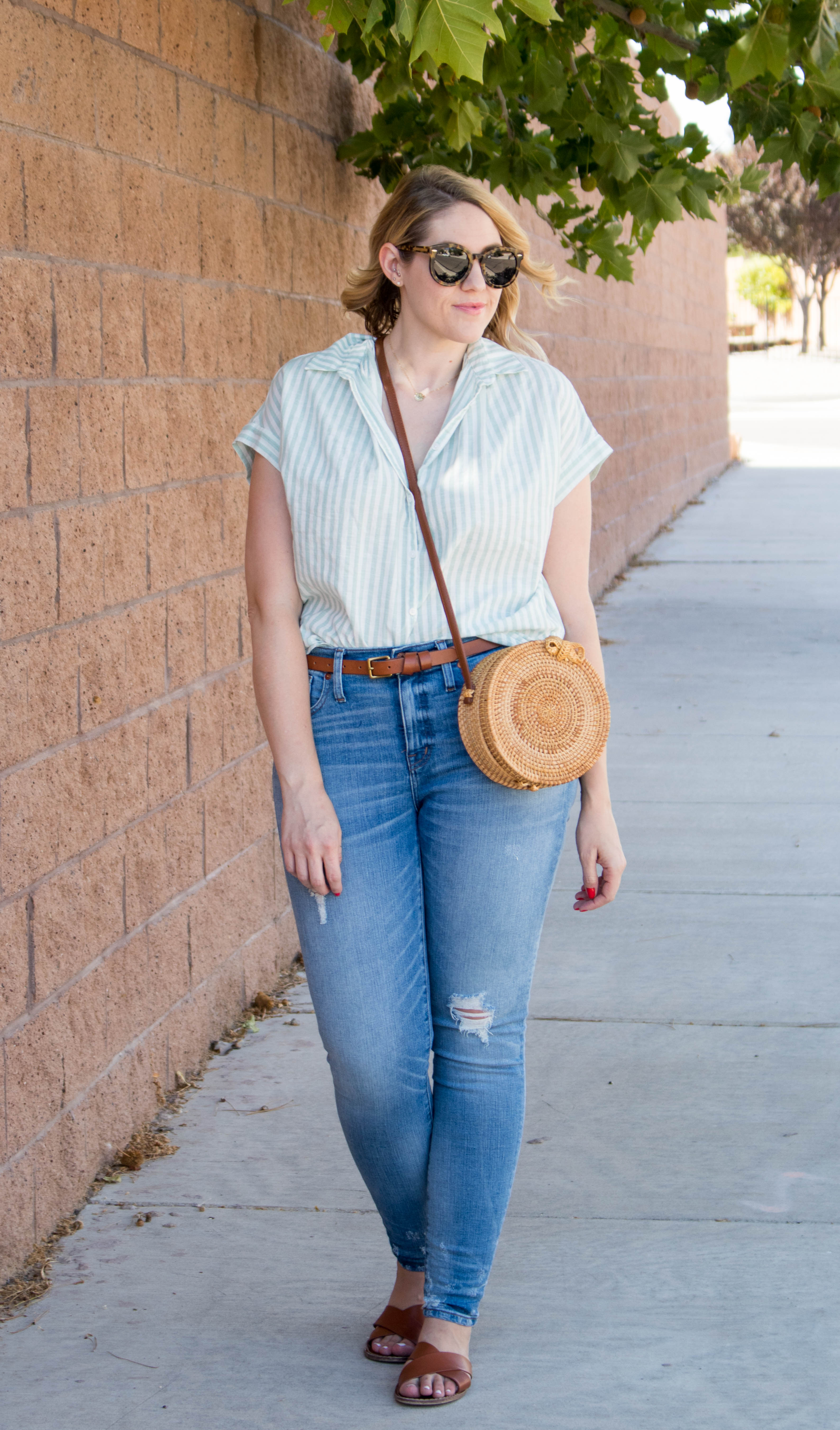madewell summer outfit skinny jeans #madewell #skinnyjeans #jeansoutfit #summerstyle