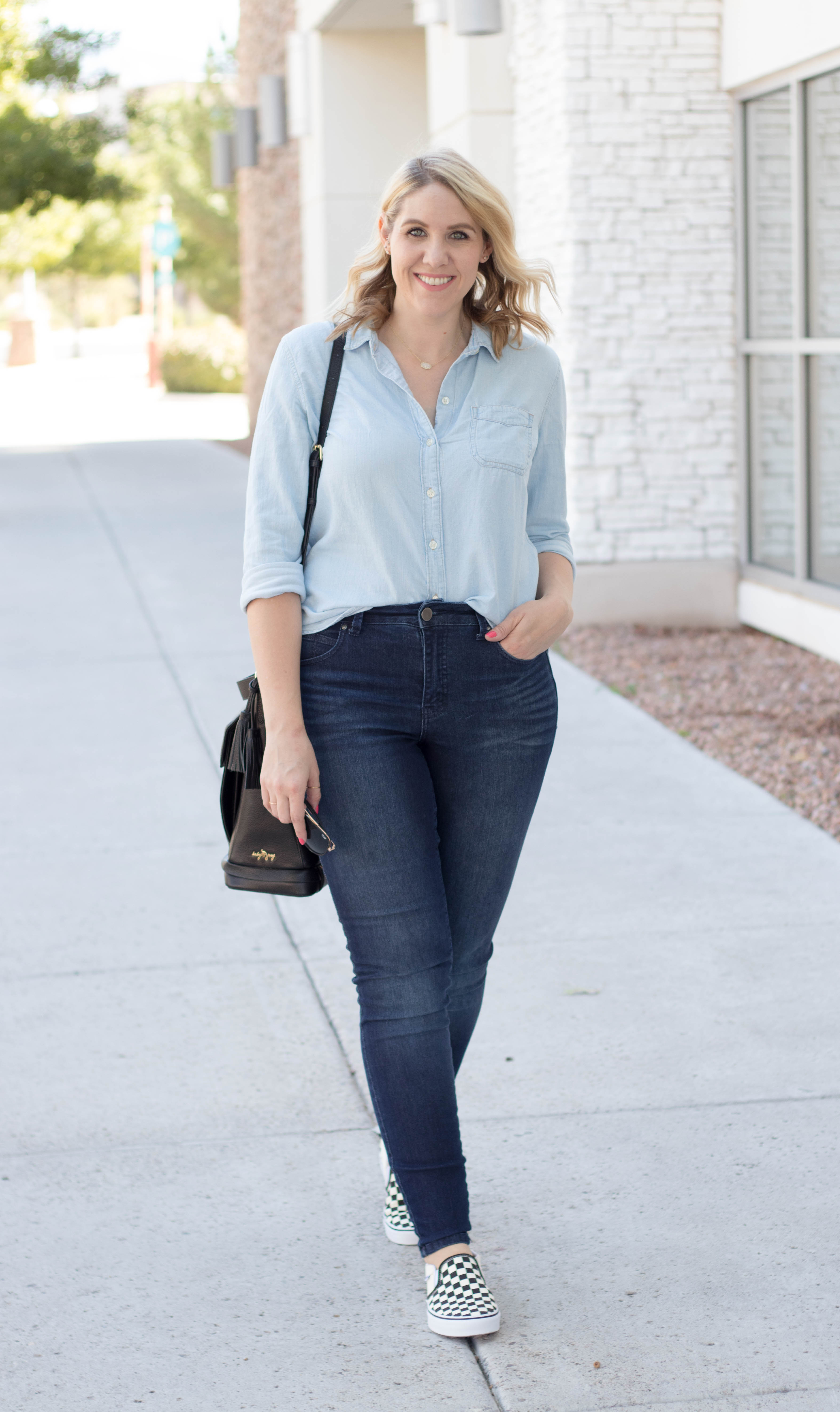 best chambray top for every body type #oldnavy #oldnavystyle #momstyle
