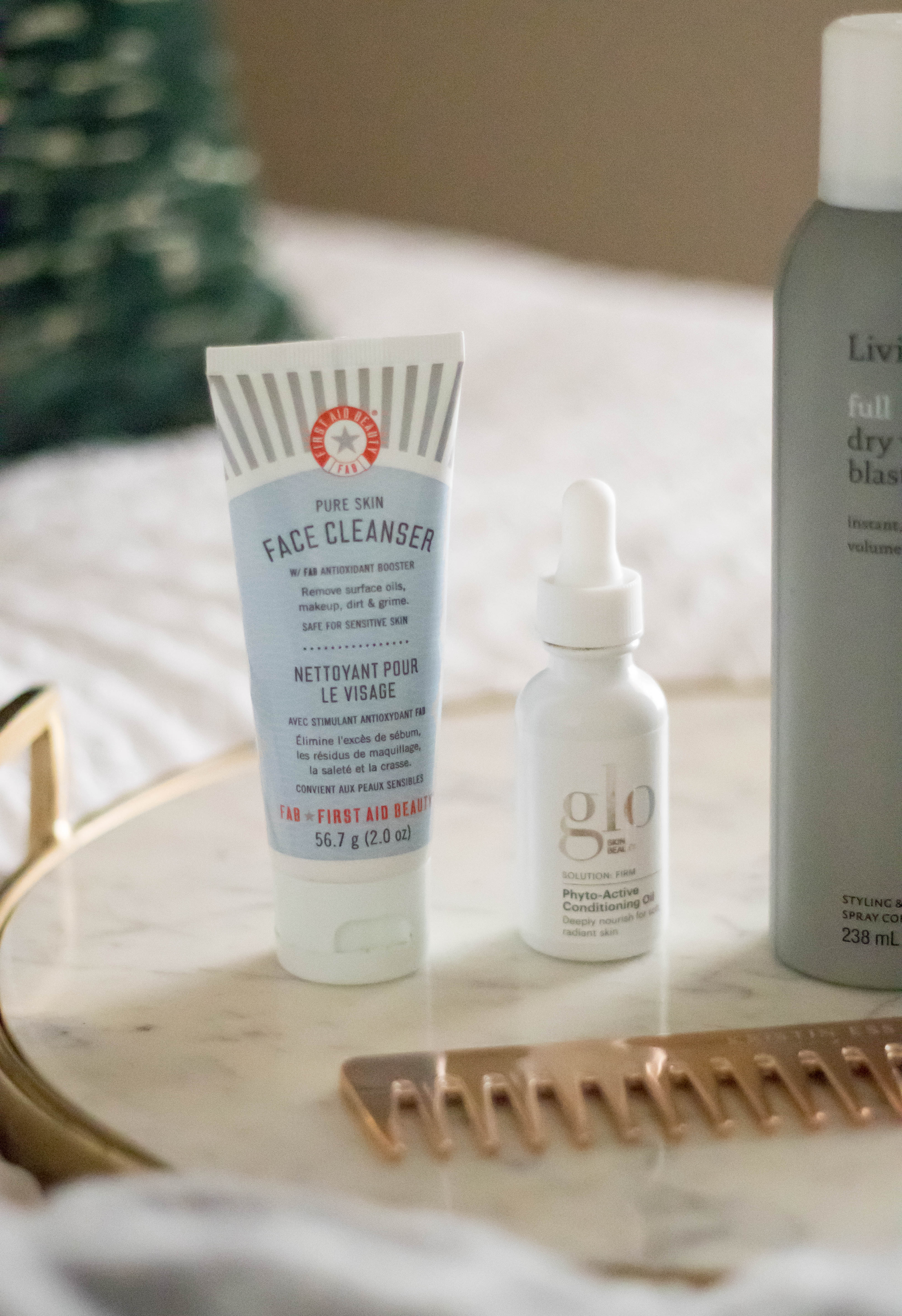 first aid beauty face cleanser review #firstaidbeauty #skincare #cleanbeauty