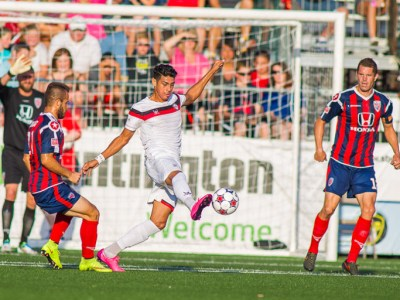 Atlanta's Jaime Chavez brings down the ball leading up to his assist on Pedro's goal. (Photo: Trevor Ruszkowski/Indy Eleven)