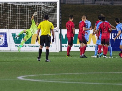 Romuald Peiser stretches toward the shot from Daniel Mendes' last second free kick. (Photo: Steve Kingsman/Ottawa Fury FC)