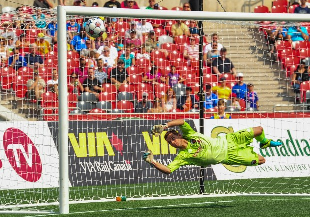 July 05, 2015: Ottawa Fury versus Jacksonville Armada FC in week 11 of the NASL at TD Place Stadium in Ottawa, ON. The Fury winning 2-0 thanks to goals from Mason Trafford and Tom Heinemann whilst they extended their league record shutout streak to 616 minutes.
