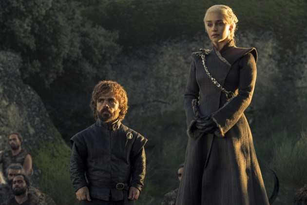 Peter-Dinklage-as-Tyrion-Lannister-and-Emilia-Clarke-as-Daenerys-Targaryen-%E2%80%93-Photo-Macall-B.-Polay-HBO HBO DIVULGA FOTOS INÉDITAS DO QUINTO EPISÓDIO DE  GAME OF THRONES