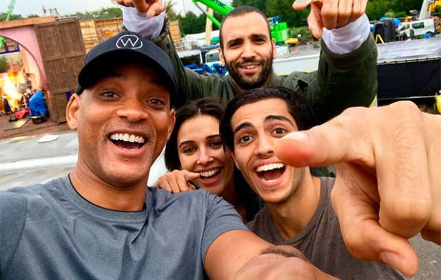"will-smith-posta-foto-com-elenco-nos-bastidores-do-live-action-aladdin-1_302433_36 REVELADO O ELENCO DE ""ALADDIN"", ADAPTAÇÃO EM LIVE ACTION DIRIGIDA POR GUY RITCHIE"