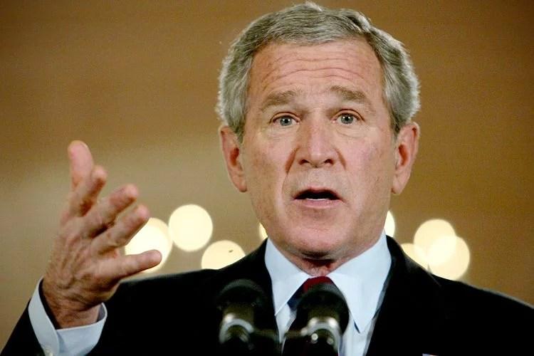 george w bush4 - A sapatada no Bush ! Pena que não acertou...