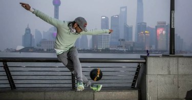 freestyle soccer player sean garnier in shanghai