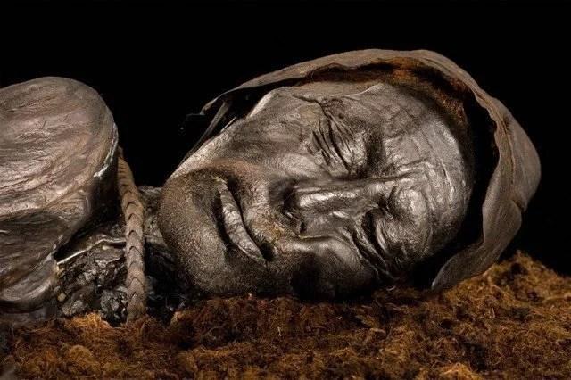 Fotos, Curiosidades, Comunicação, Jornalismo, Marketing, Propaganda, Mídia Interessante pantano4 O mistério dos corpos intactos de 2 mil anos dos pântanos da Dinamarca Curiosidades  O mistério dos corpos intactos de 2 mil anos dos pântanos da Dinamarca