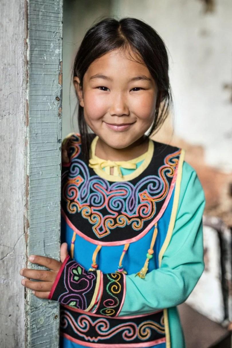 35 Portraits Of Amazing Indigenous People of Siberia From My The World In Faces Project 594769d0d5d67  880 2 - Fotógrafo faz cliques de pessoas comuns na Sibéria e o resultado é maravilhoso