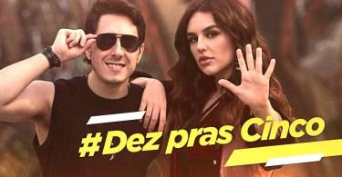 "dez pra cinco - Renata Vasconcellos apresenta JN com suposto ""pijama""e vira meme na Internet"
