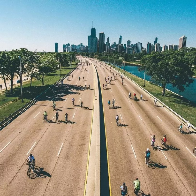 drone 10Chicago From Above Awesome Bumblebee Photograph by Razvan Sera 5922d4bc52283  880 - Chicago e as novas perspectivas do olhar humano por Drones