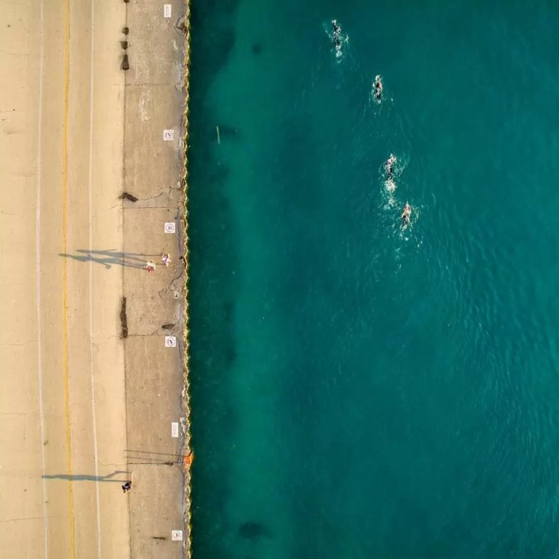 drone 28 Chicago From Above Awesome Bumblebee Photograph by Razvan Sera 5923e46b138fe  880 - Chicago e as novas perspectivas do olhar humano por Drones