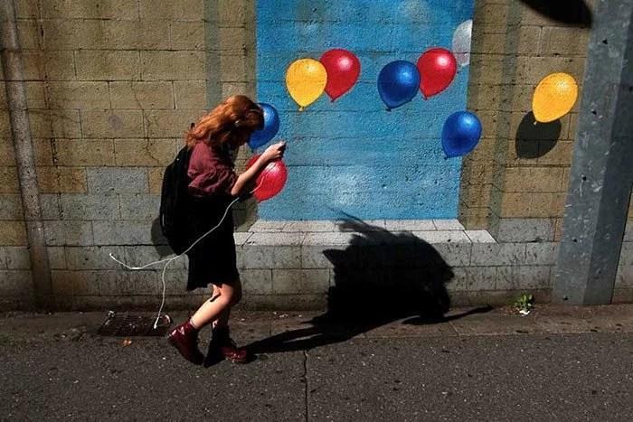 perfectly timed street photography 96 58107b0b9cf40  700 - Fotos em ângulo perfeito – Parte #6