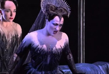 rainha da noite mozart flauta magica brasil - Quem são as cantoras que desafiaram cantar a Rainha da Noite?