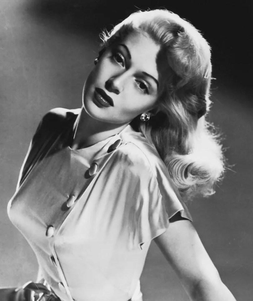 bullet bra fashion vintage sutiã cone moda mulheres anos 1940 1950 13 - Beleza da Mulher nas décadas de 40 e 50 e os sutiãs de bicudos