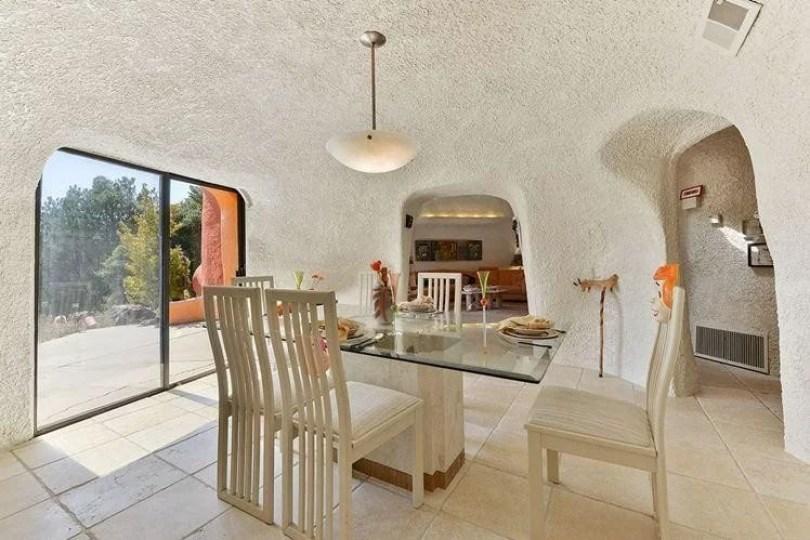 casa dos flinstones 3 - Casa dos Flinstones é vendida na Califórnia
