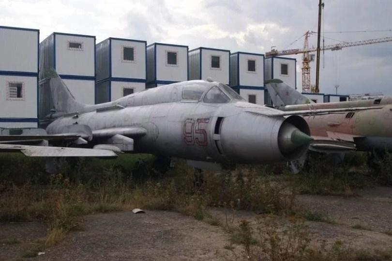 helicoptero abandonado 15 - Imagens de helicópteros e aviões abandonados