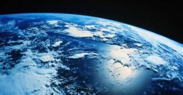 v2terraplaneta - Você sabe quando foi tirada a primeira foto da Terra no espaço?