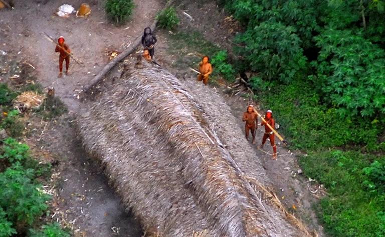 tribos isoladas foram mortos na amazonia