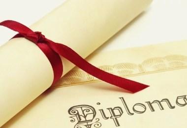 diploma Estudar jpg - Pessoa com mais diplomas Universitários do Brasil