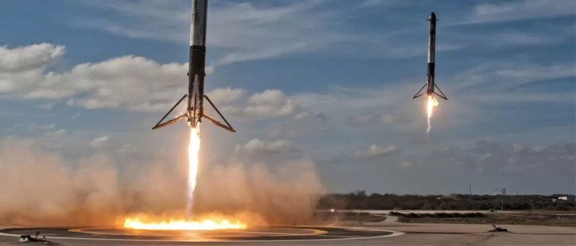 Falcon Heavy side booster landings SpaceX crop - Veja as várias tentativas da SpaceX até chegar a quase perfeição