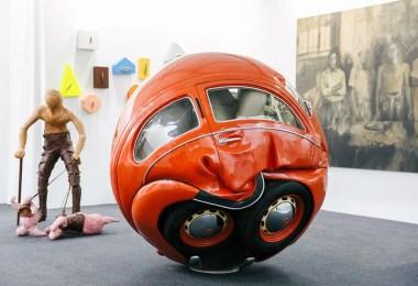 carro bola - Artista transforma Fusca de verdade em esferas perfeitas