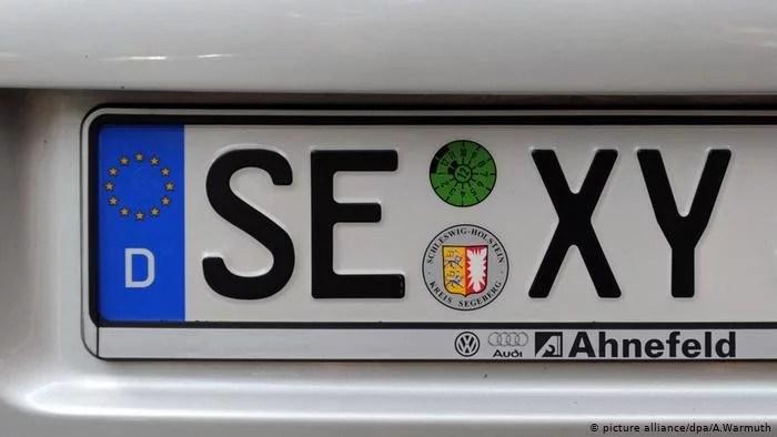 placa alemã 1 - Placa de carro: Curiosidades sobre emplacamentos de carros criativos e engraçados