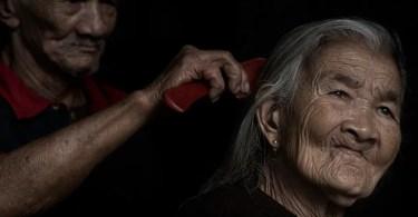 foto carinho interessante apaixonante love amor - Agência de publicidade usa figuras icônicas em campanha