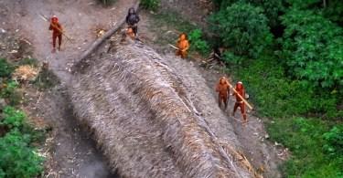 tribos isoladas na amazonia nuncativeram contato com humanos 1 - 50 fotos brutalmente honestas da Rússia mostram que não há outro país como ele