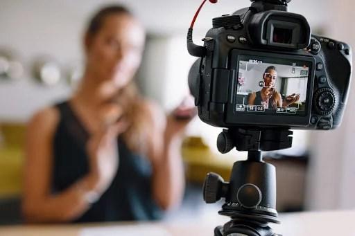 primeiro youtuber do brasil mundo vloger - Quem inventou o Vlog? Conheça o primeiro Youtuber do Brasil e do Mundo