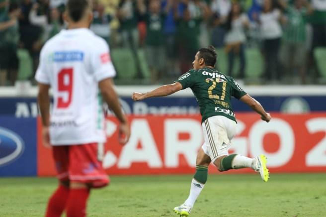 Robinho comemora seu belo gol de falta. Créditos: Cesar Greco/Ag Palmeiras/Divulgação