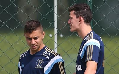 João Pedro e Nathan, em treino do Palmeiras na Academia (Foto: Cesar Greco/Ag Palmeiras/Divulgação)