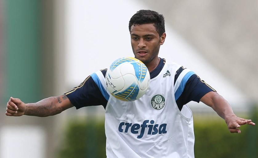 Meia só poderá estrear em 2015 nas quartas de final da competição estadual, em abril. (Cesar Greco/Ag. Palmeiras/Divulgação)