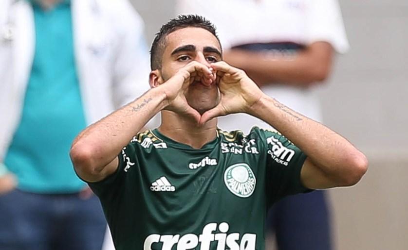"""""""Tem que arriscar, ter confiança e personalidade. A equipe está de parabéns, a gente tentou, tentou, tentou e saímos com a vitória."""" (Cesar Greco/Ag. Palmeiras/Divulgação)"""