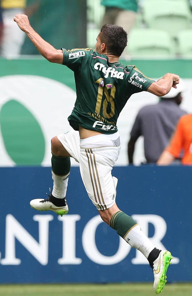 """""""Não somos responsáveis pelos desempenhos nos clássicos antes deste grupo chegar. Vamos ganhar clássicos"""" (Cesar Greco/Ag. Palmeiras/Divulgação)"""