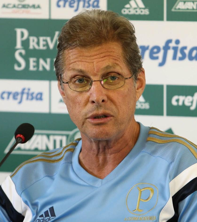 Oswaldo de Oliveira  concede entrevista de coletiva antes do clássico. (Cesar Greco/Ag. Palmeiras/Divulgação)